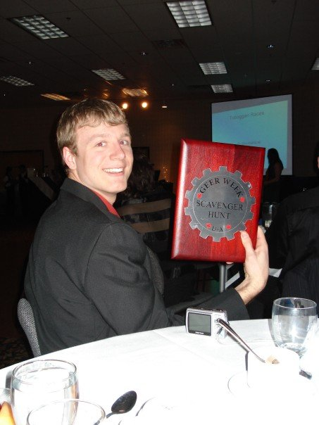 With the scavenger hunt plaque at the engineers ball, Geer Week 2007